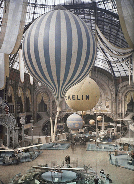 Balloons in the grand palais - Exposition paris grand palais ...
